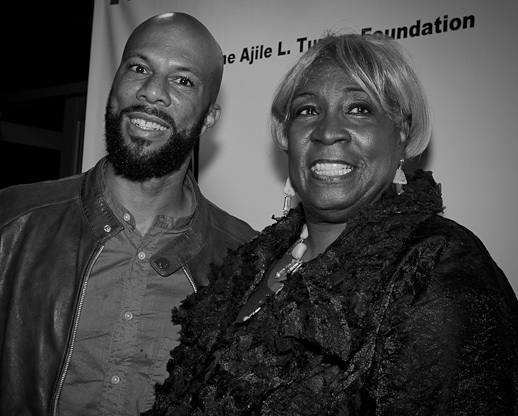 Common and Ajile Mom