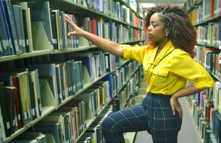 Shop lioness library shot