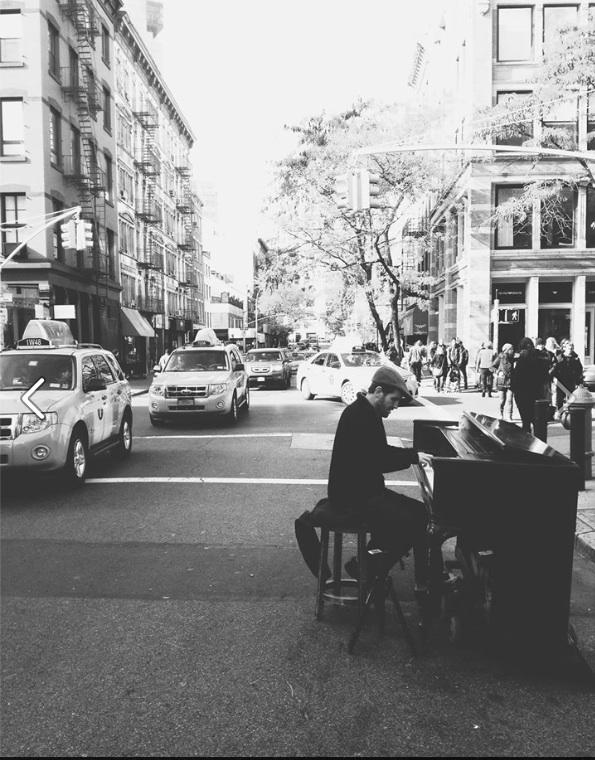 piano player main pic