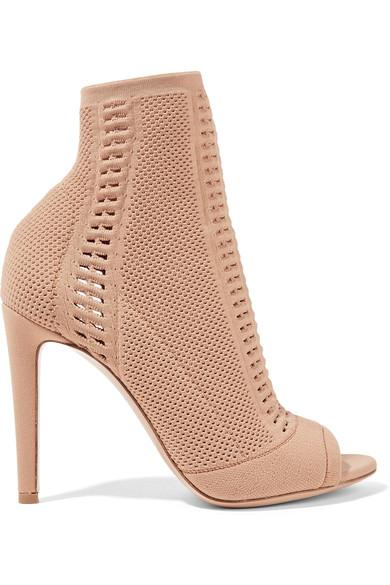 the-ten-shoe